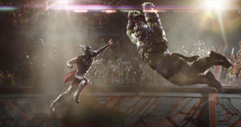 Marvel Studios Thor: Ragnarok. L to R: Thor (Chris Hemsworth) and Hulk (Mark Ruffalo). Photo: Film Frame. ©Marvel Studios 2017