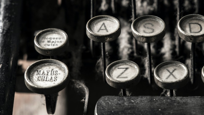 Typewriter photo by Valerio Errani from Pexels